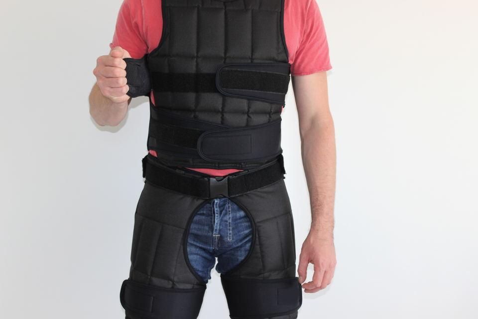 Adipositasanzug mit Gewichtsweste